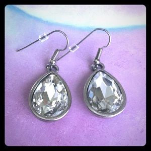 Teardrop crystal fishhook earrings Premier Designs